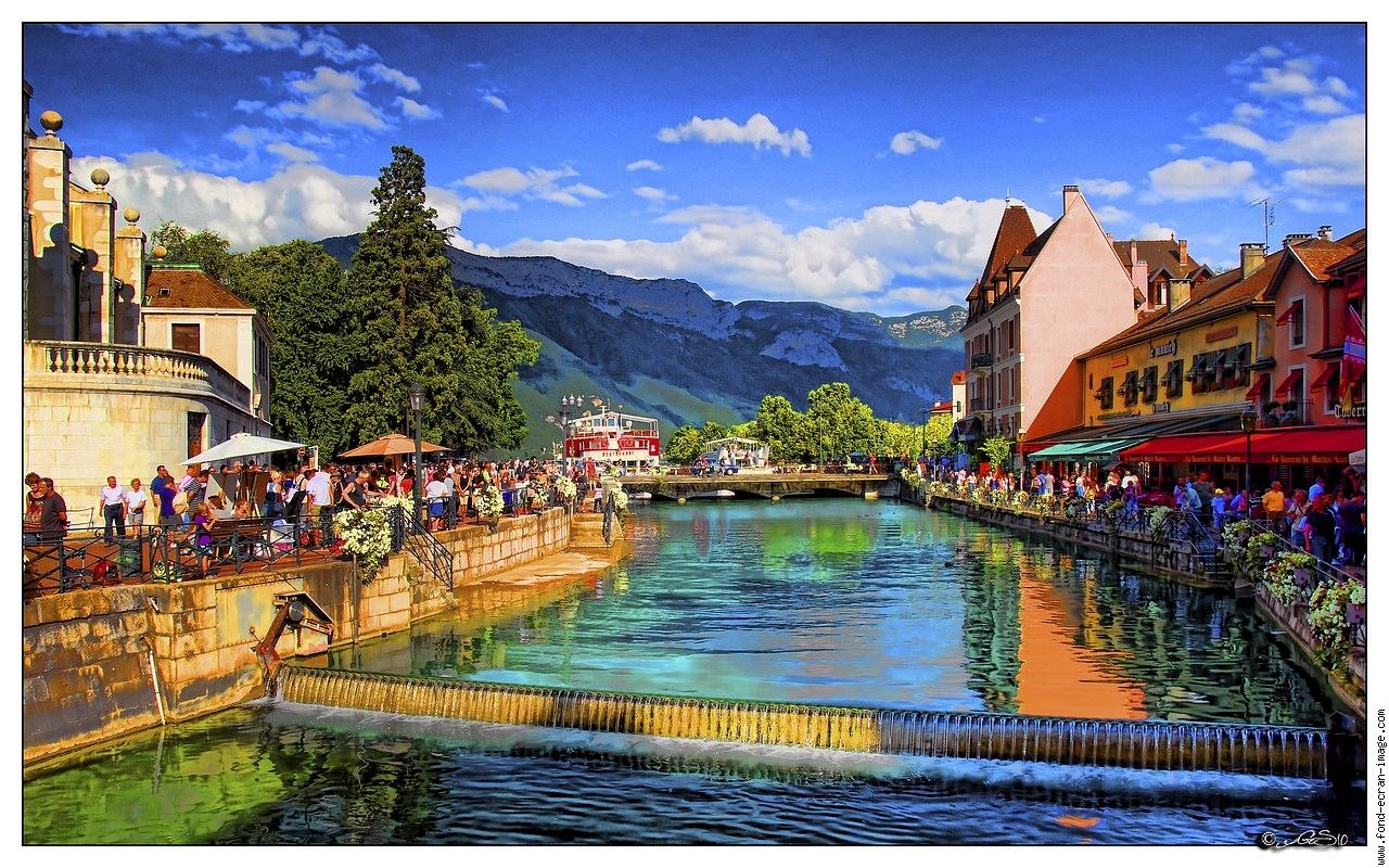annecy canal montagne